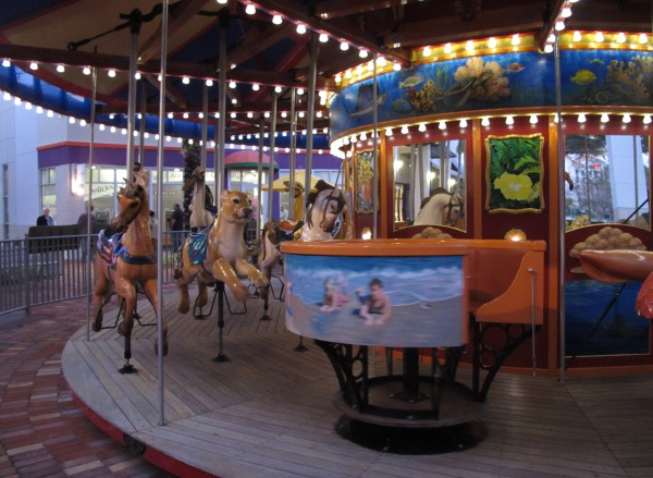 Kids crawl downtown at the gardens palm beach county - Things to do in palm beach gardens ...