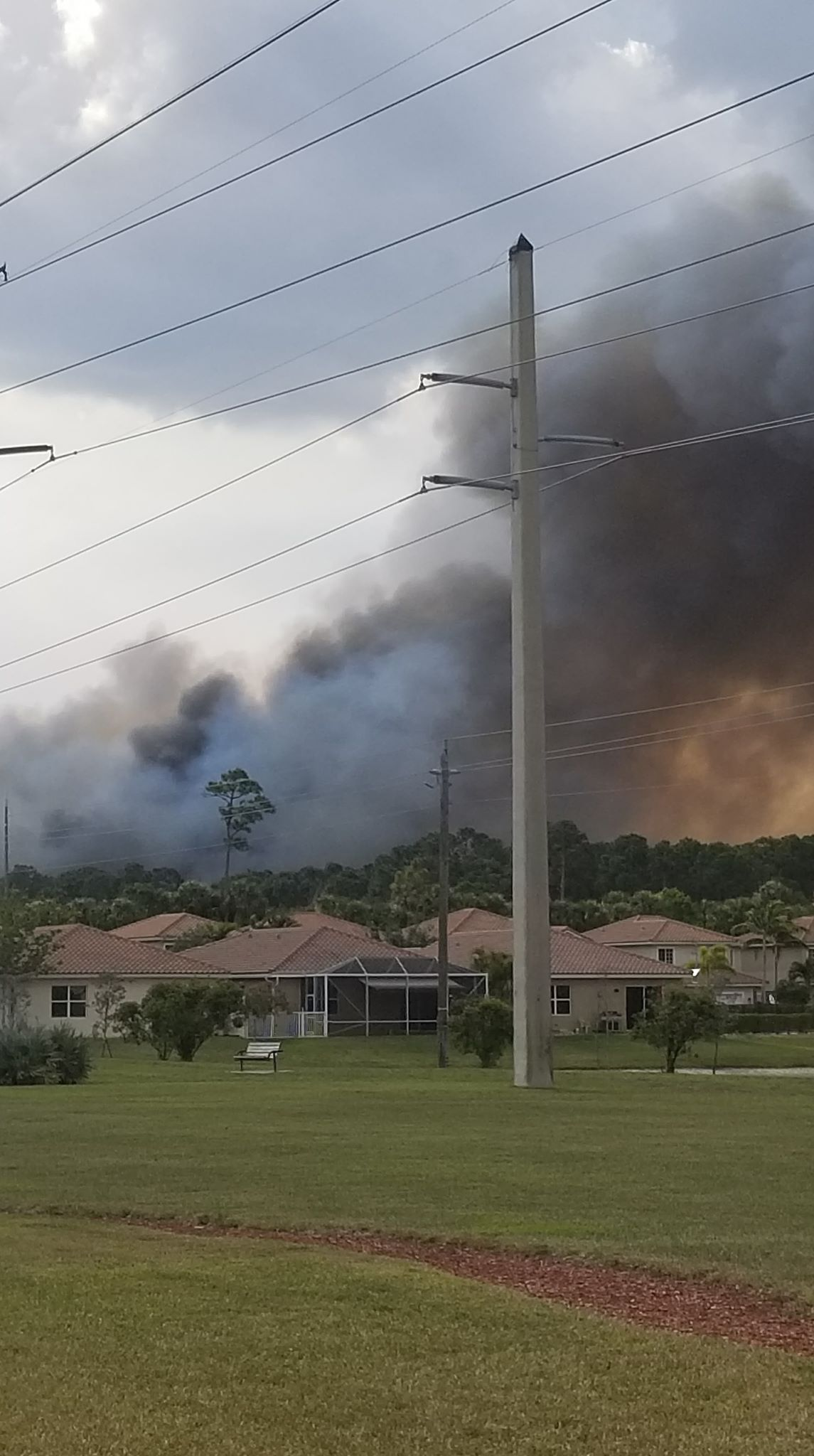 Residents safe after brush fire threatened their homes