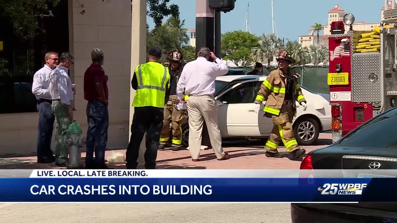 Car crashes into building in West Palm Beach