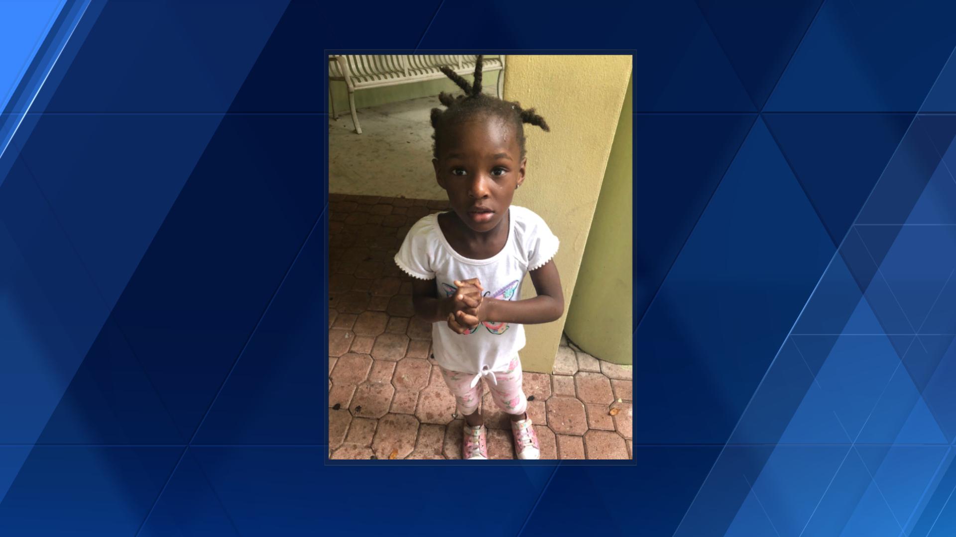 Boynton Beach police reunite little girl with mother