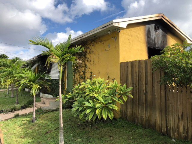 Lake Worth house fire displaces family of four