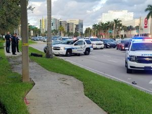 Traffic stop in Riviera Beach leads to pursuit and crash