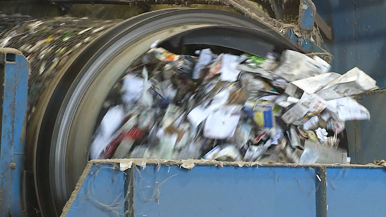 Solid Waste Authority invites residents inside to to see how recycling works