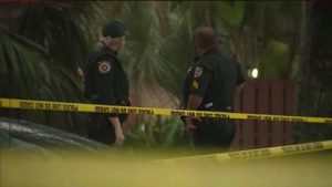 Shooting in West Palm Beach leaves one man dead; one on run