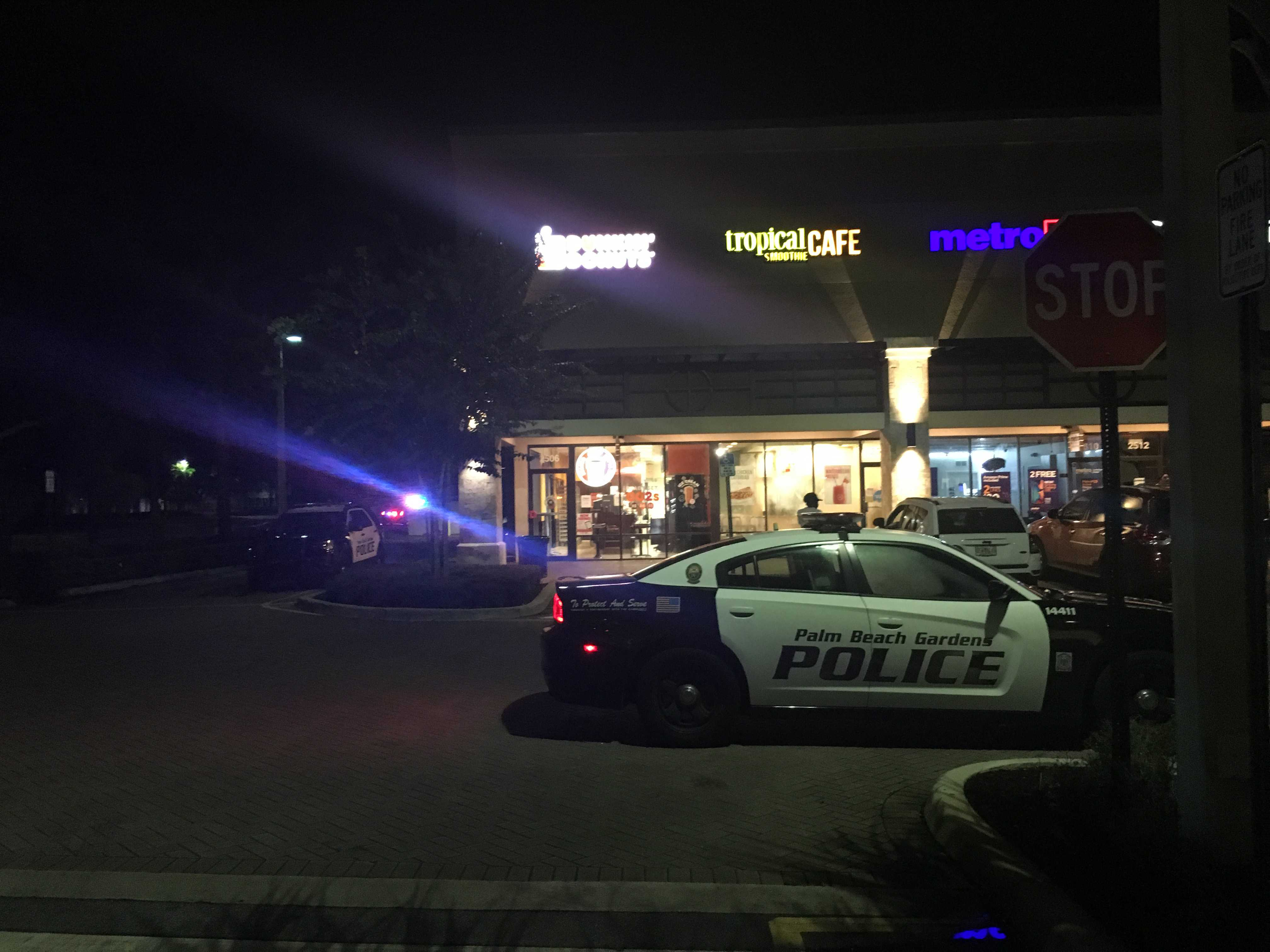 Armed robbery at Dunkin' in Palm Beach Gardens