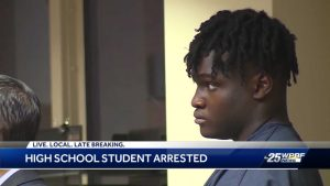 Palm Beach Gardens High School football player accused of robbery
