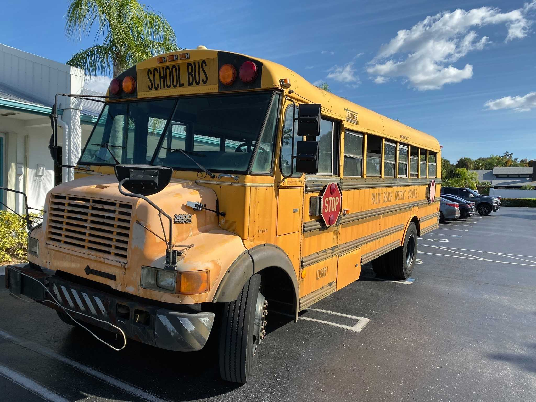 Palm Beach County School District in need of more bus drivers
