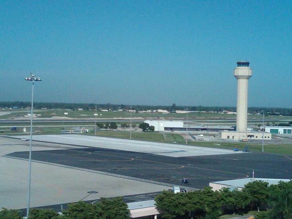 Florida Department of Health begins screening at Palm Beach International Airport