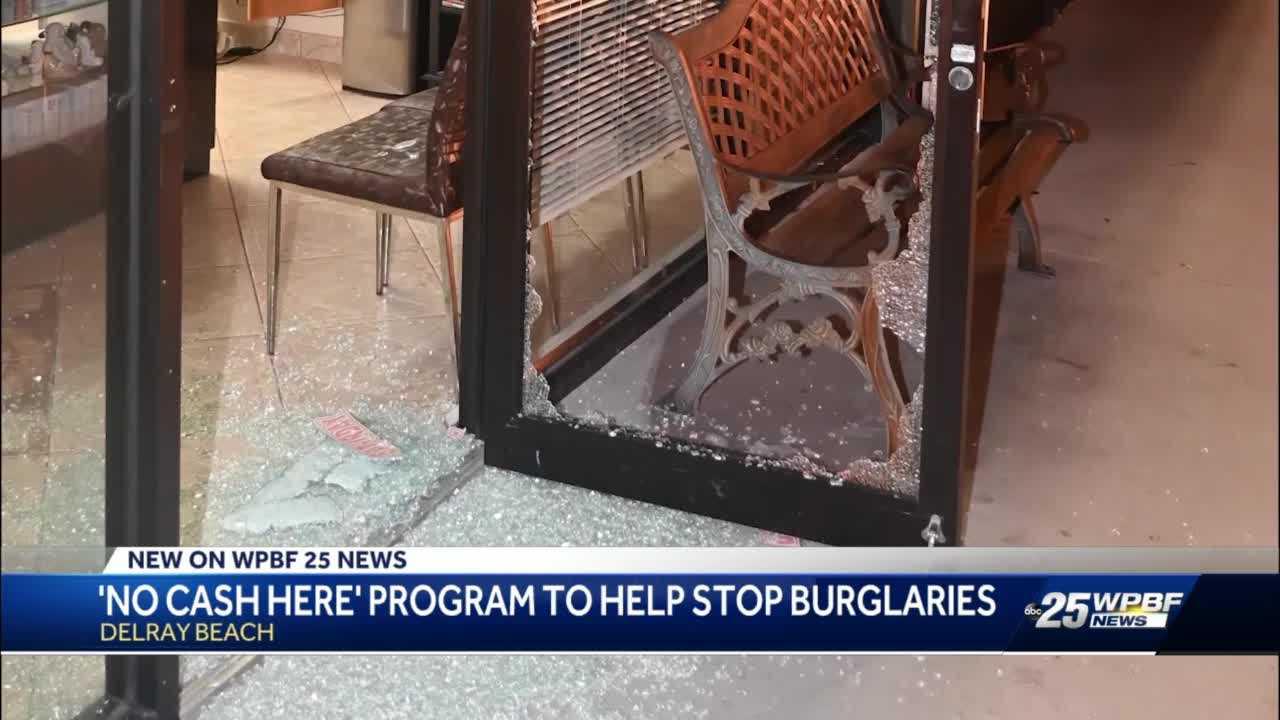 Thieves smash windows in Delray Beach to get cash register